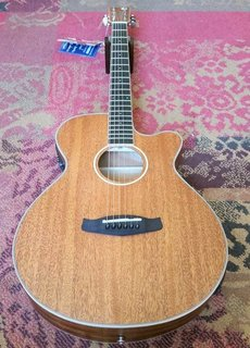 Tanglewood Tanglewood TWU SFCE Mahogany Orchestra w/pickup