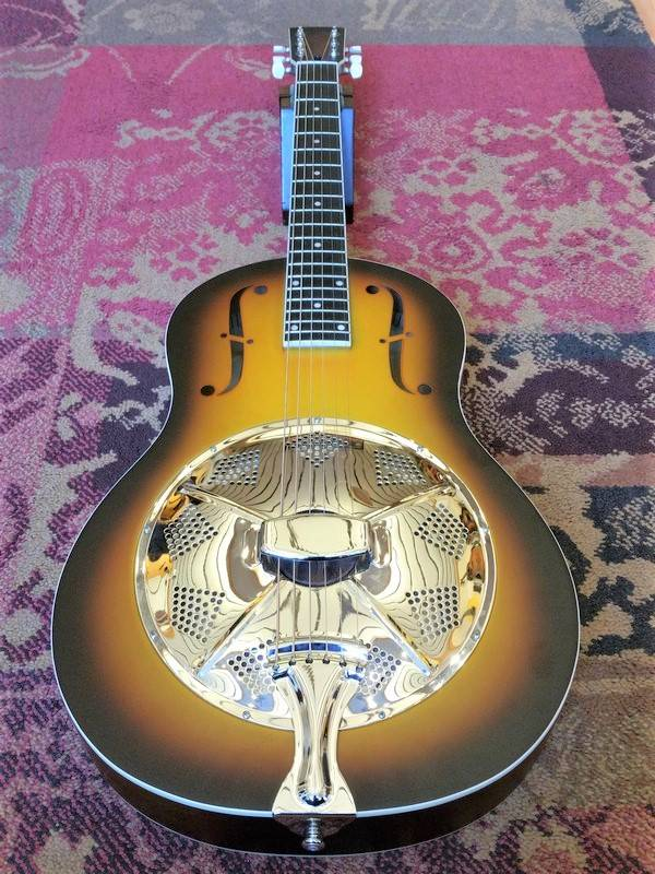 Royall Royall Triolian Sunburst Wooden Body/Metal Top