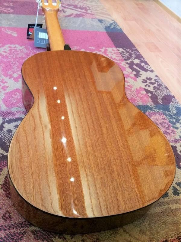 Salvador Cortez Salvador Cortez CC-10 Classical Guitar Cedar/Mahogany