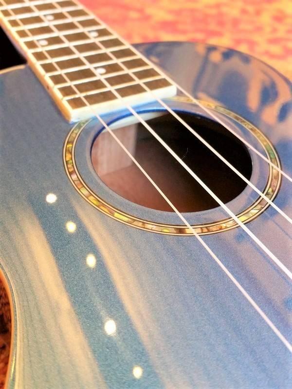 Fender Fender Zuma Concerto Ukulele Lake Placid Blue