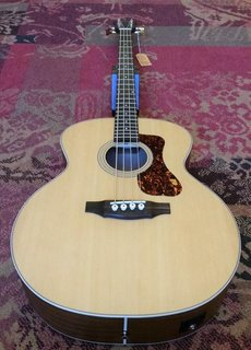 Guild Guild B-240E Acoustic Bass Jumbo