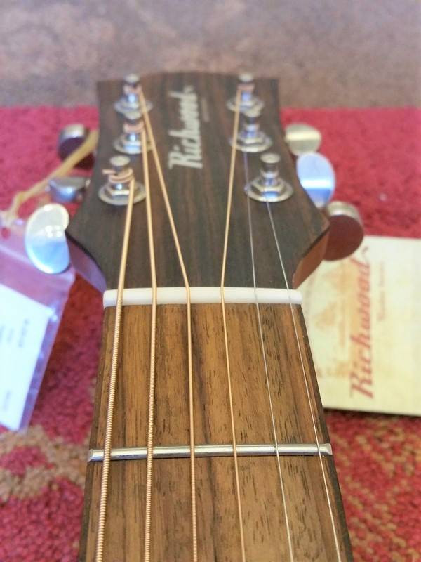Richwood Richwood G-22CE Wide Neck w/Fishman