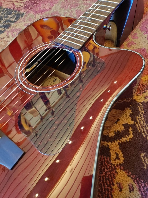 Guild Guild D-120CE Cherry Red