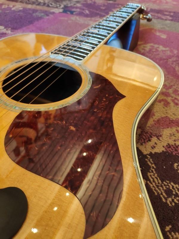 Gibson 2011 Gibson Songwriter Deluxe Studio