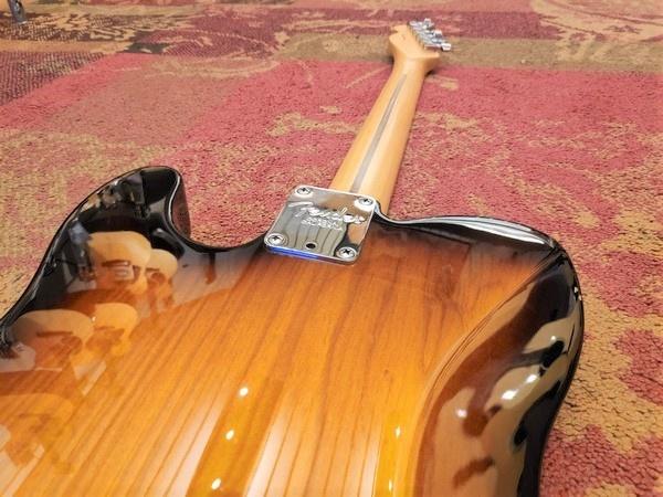 Fender 2015 Fender American Standard Telecaster Sunburst MN