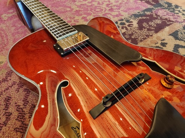 Eastman Eastman AR503CE Cherry Red