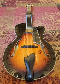 Eastman Eastman T146SM-CS Archtop Thinline Sunburst
