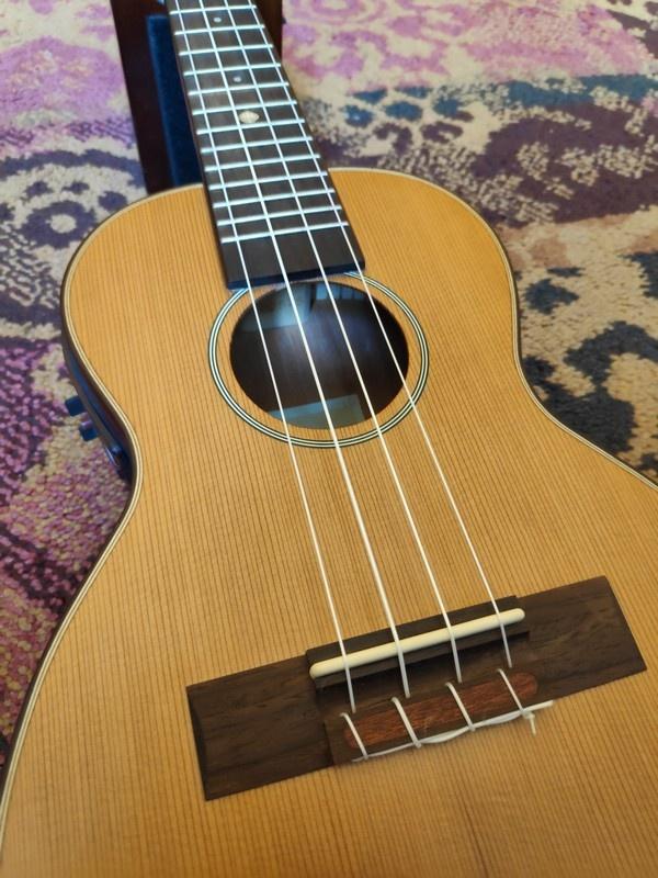 Leho Leho Concerto Ukulele C-CF-E w/Pickup