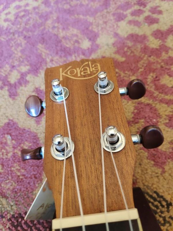 Korala Korala Tenor Ukulele UKT-450-CE w/Pickup