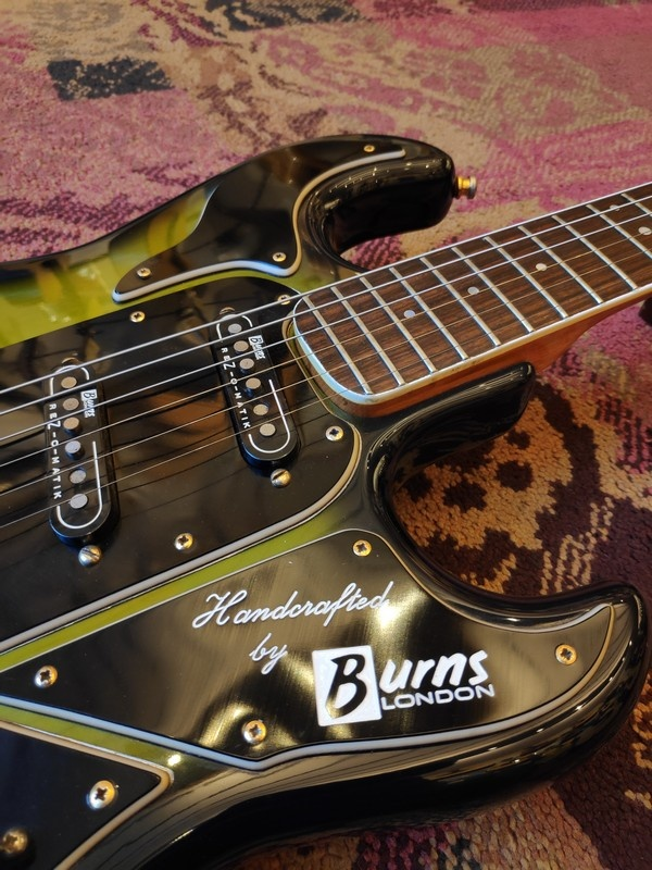 "Burns '90s Burns ""Hank Marvin"" Made in England"