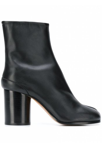 MAISON MARGIELA tabi boots black leather