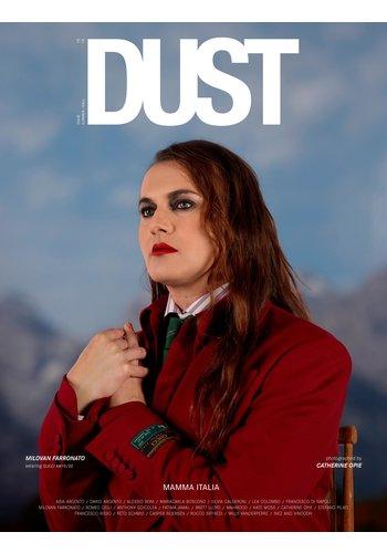 DUST magazine 15