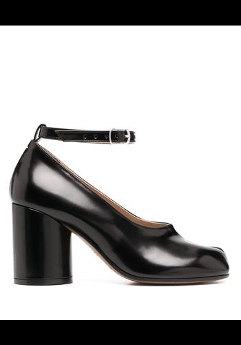 MAISON MARGIELA tabi court shoe ankle strap black