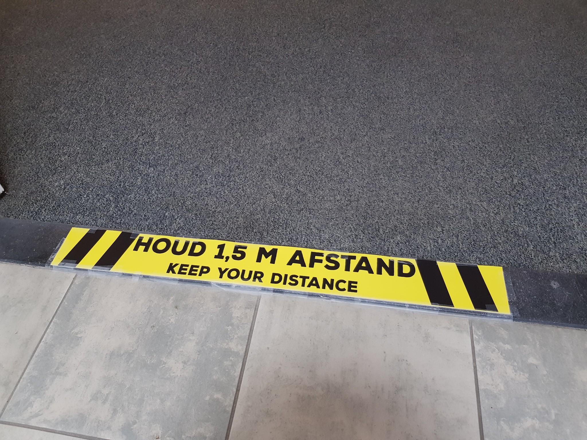 Social Distance Vloersticker Houd Afstand 28cm