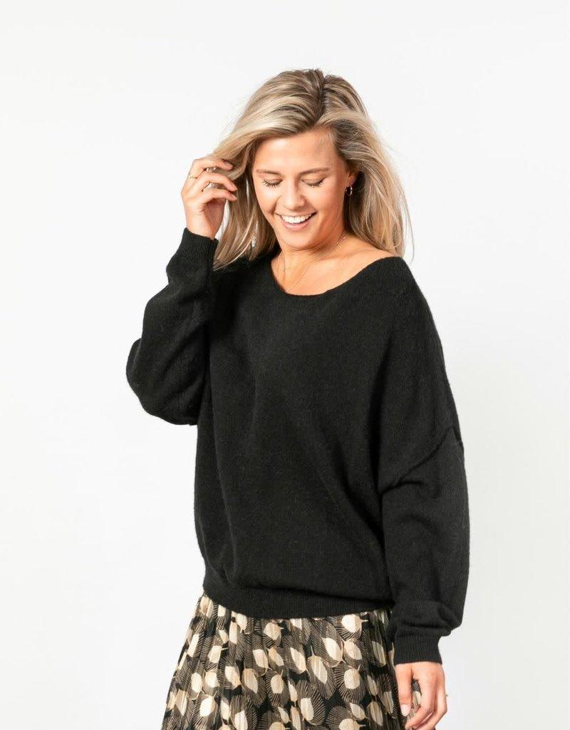 Nukus New York Sweater zwart 21622052  Nukus