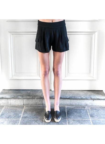 Matin Pleated Pocket Short - Black
