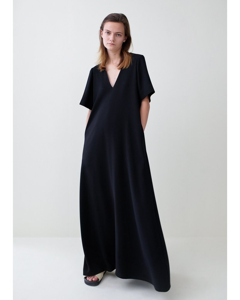 CO Short Sleeve V-Neck Dress in Stretch Crepe - Black