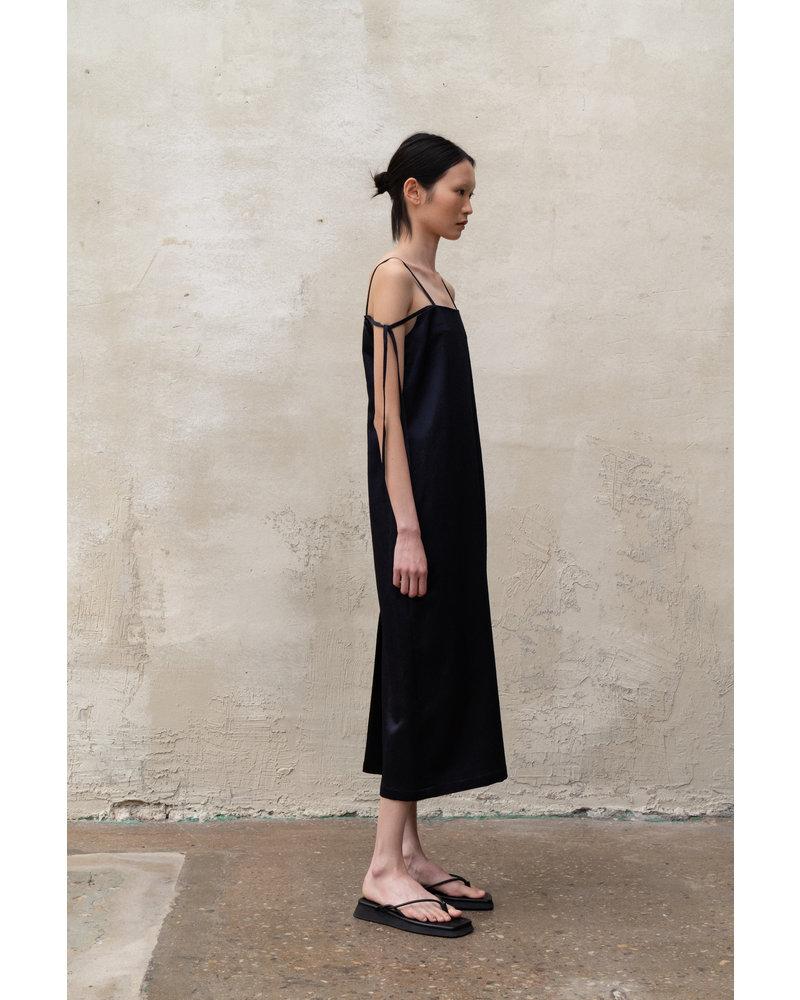 Le 17 Septembre Shoulder tied Silk Onepiece - Navy
