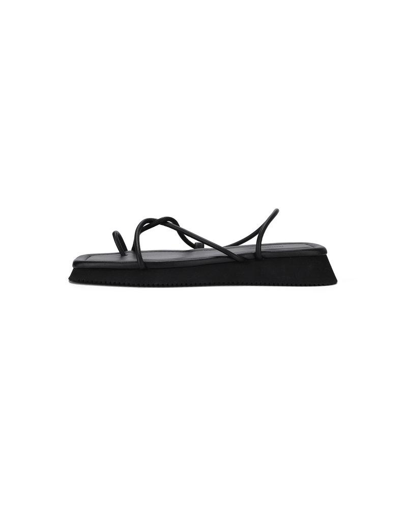 Le 17 Septembre Toe-Ring Leather sandal - Black