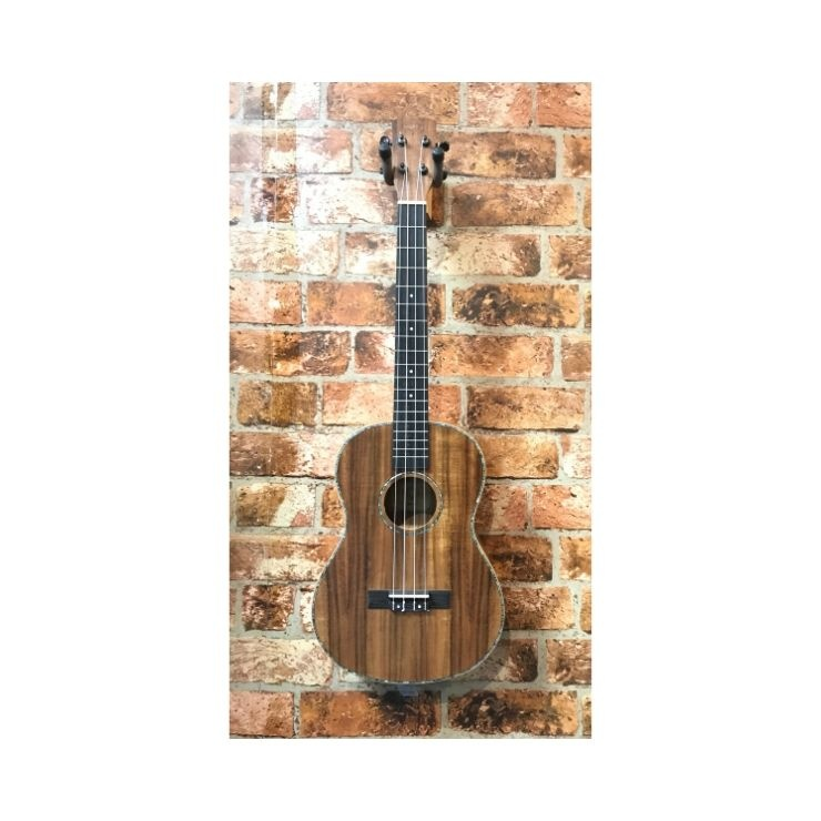 IZUZI Isuzi Eak-8 Baritone Ukulele (regular ukulele tuning)