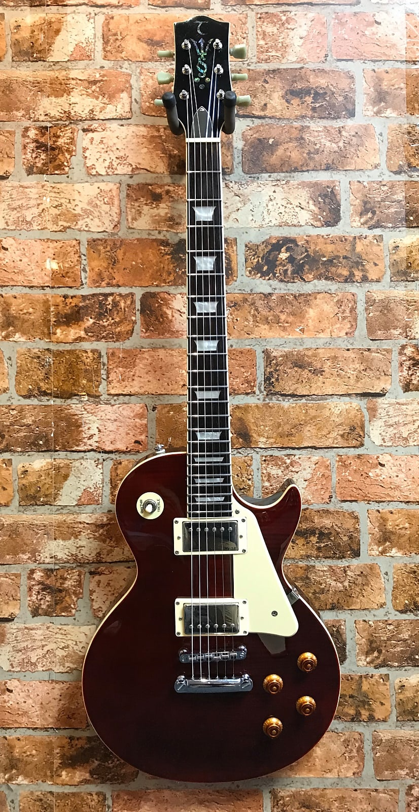 Tanglewood red Les Paul special offer RRP £419