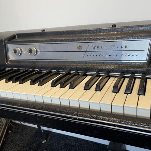 Wurlitzer 1970's Wurlitzer EP200a electronic piano