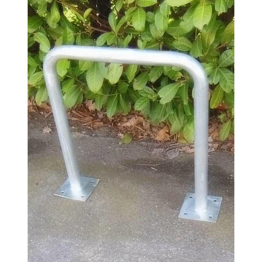 Arceau de vélo avec platine 600 x 650 mm en profile U en acier galvanisé-1