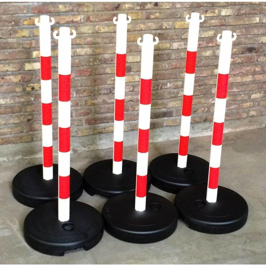 Kettingpaal in PVC. 90 cm. rood / wit met opvulbare ronde voet tot 9 kg.-2