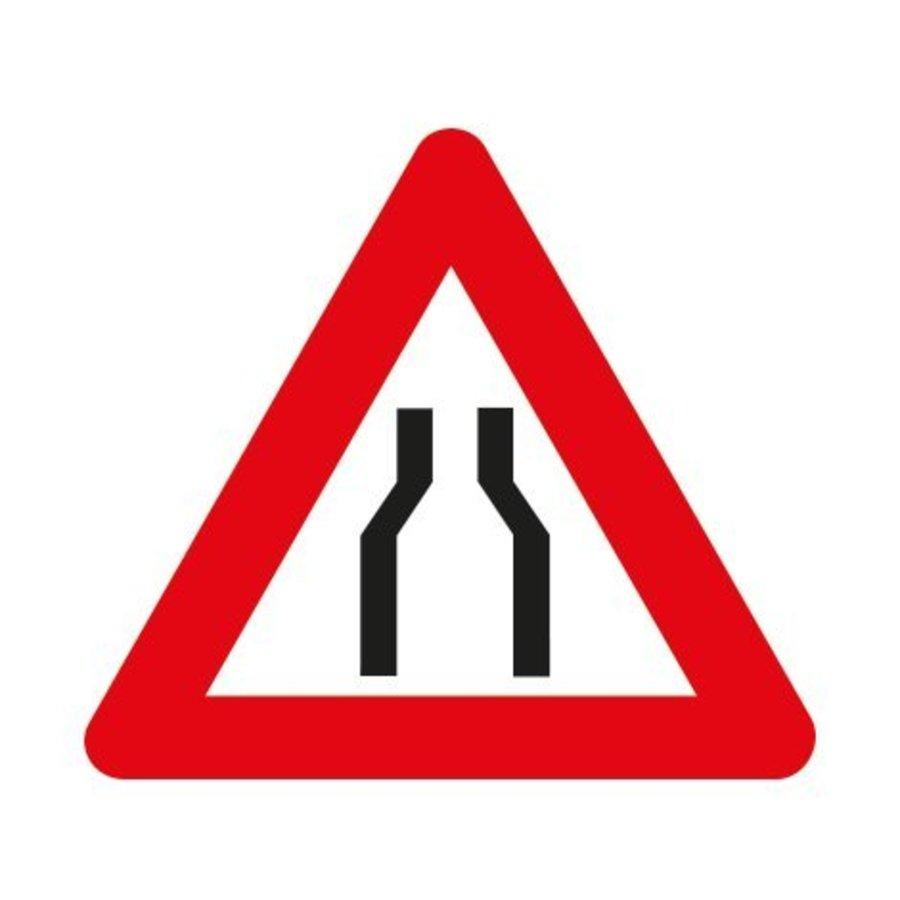 Panneau A7a: Chaussée rétrécie-1