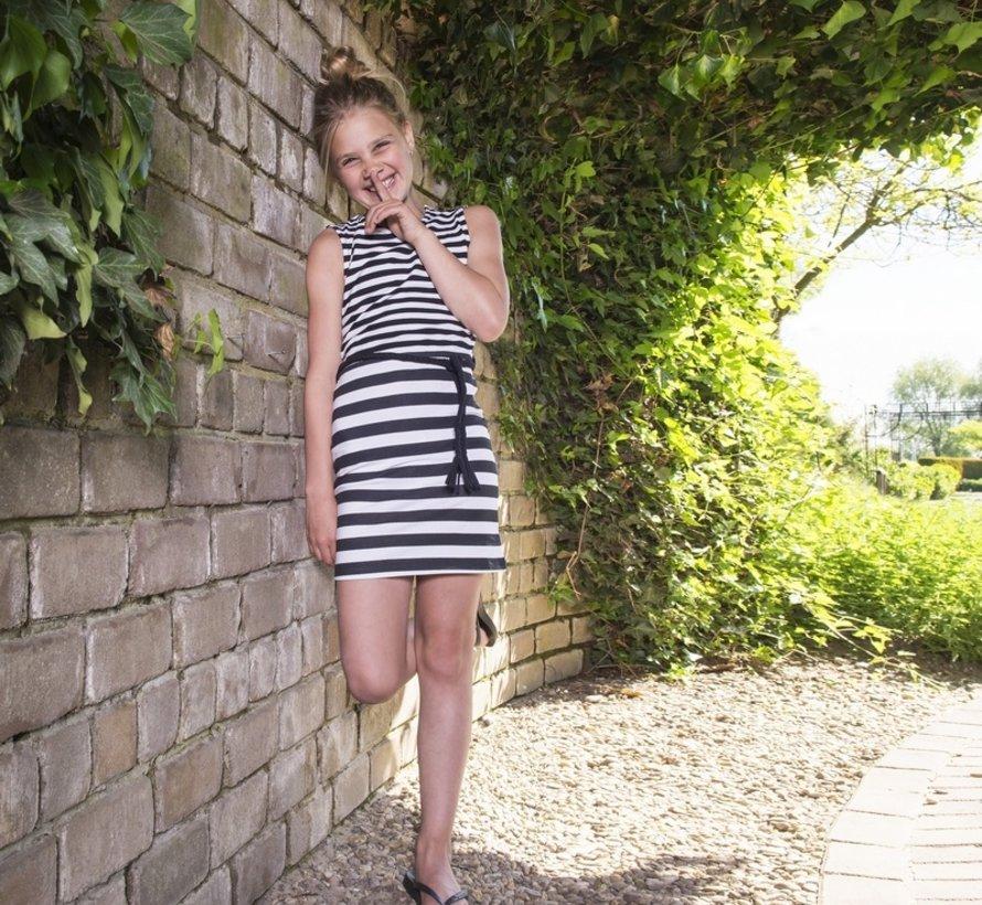 Zomerjurk 'Stripes are hot'  in zwart wit streep,  LavaLava, zomer 2019