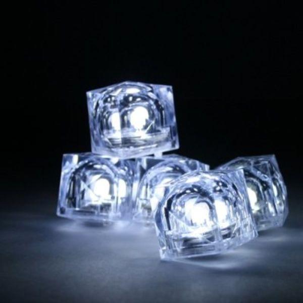 Leuchtende Eiswürfel weiß (bulk)