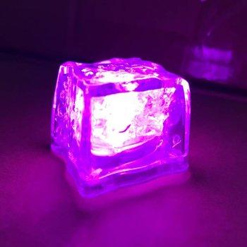 Leuchtende Eiswürfel pink