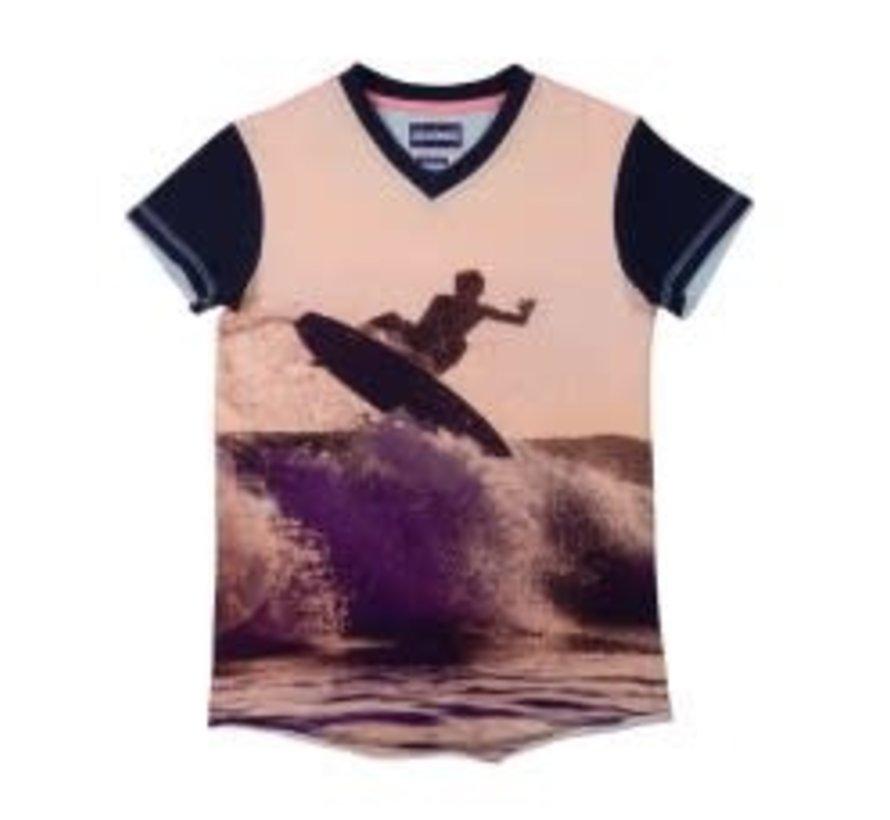 leggend 22 T shirt surfing