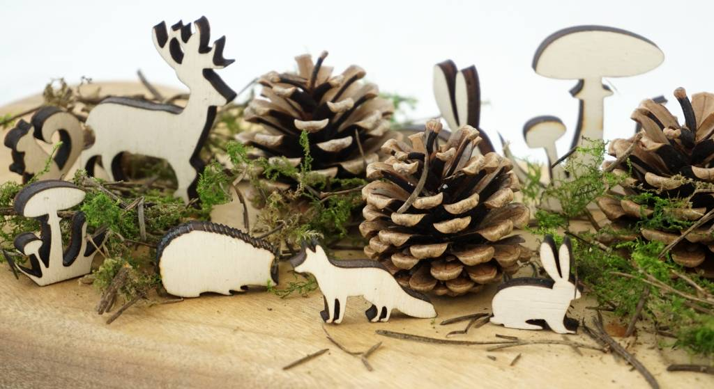 Houten tafelconfetti met bosdieren figuren