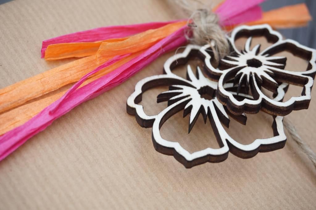 Houten decoratie bloemen