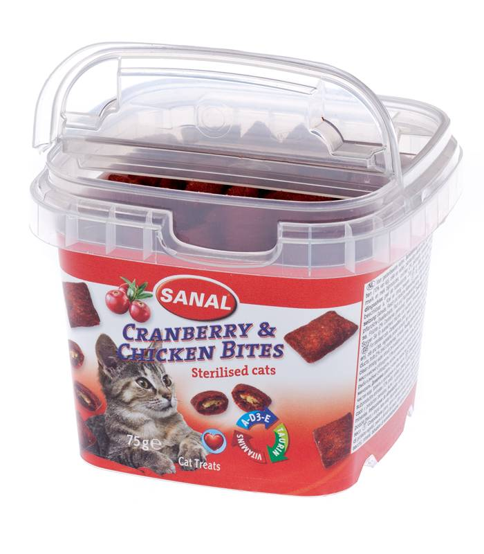 Sanal Cranberry & Chicken Bites in cup