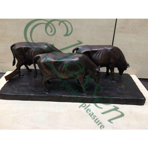 Bronzen beeld Grazende Koeien