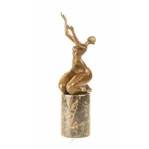 Bronzen beeld Dikke vrouw armen omhoog