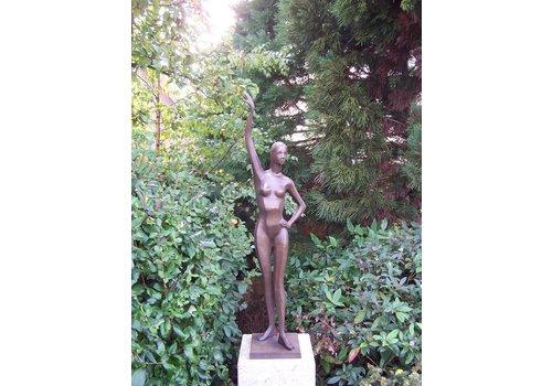 Bronzen vrouw Catherine