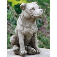 Tuinbeeld Staffordshire Bull Terrier hond