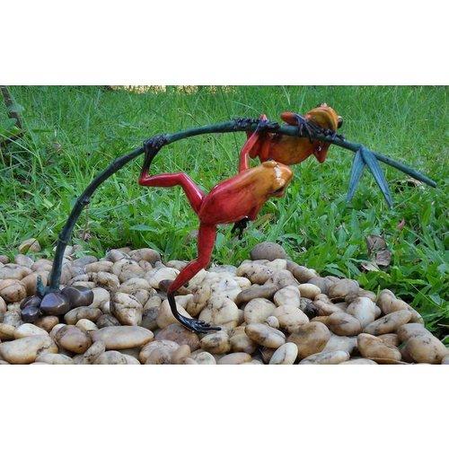 Eliassen Bronzen beeld twee rode kikkers aan een twijg