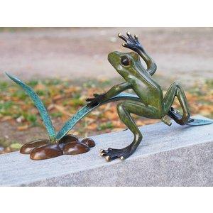 Eliassen Beeld brons kikker in het riet spuitfiguur