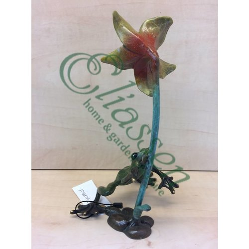 Eliassen Beeld brons kikker bij bloem