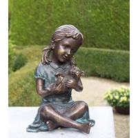 Beeld brons meisje met teddybeer