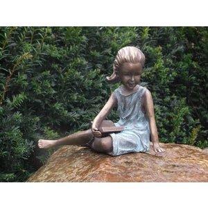 Eliassen Beeld brons liggend meisje met boekje