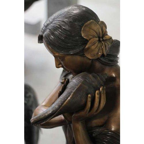 Eliassen Fontein brons Sandra met schelp