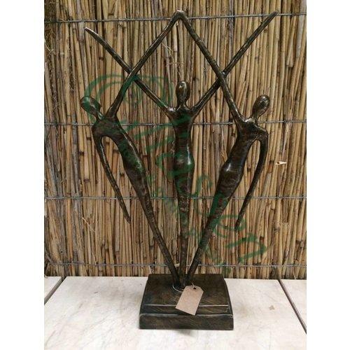 Bronzen beeld van 3 staande mensen