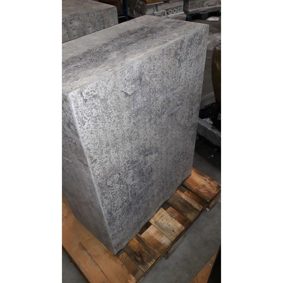Sokkel hardsteen gebrand 60x30x80cm.