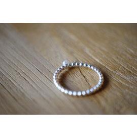 Veldjuwelen Zilveren parelring met zoetwaterparel
