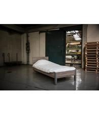 BEUK Bedframe 90X210 cm - Donker Grijs Hout - Best